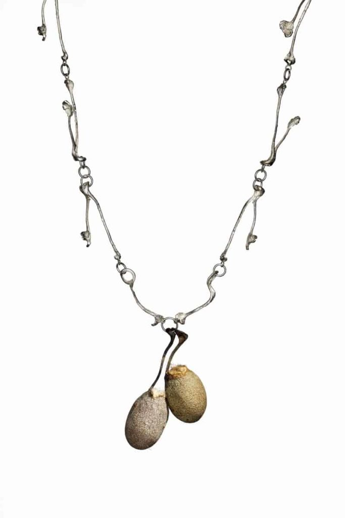 Martina Dempf, Cocooning I, necklace, 2014, silver, Tussah silkworm, Antheraea Mylitta, cocoons, cast and mounted silver, 4 x 6 x 60 cm