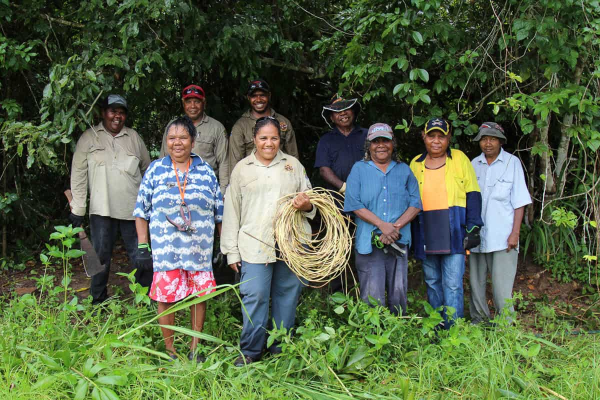 Back l to r Debra Murray, Daniel Leo, Chris Muriata, Philip Denham, front Emily Murray, Penny Bong, Theresa Beeron, Eileen Tep, Sally Murray GAAC collecting lawyer cane with rangers 2016