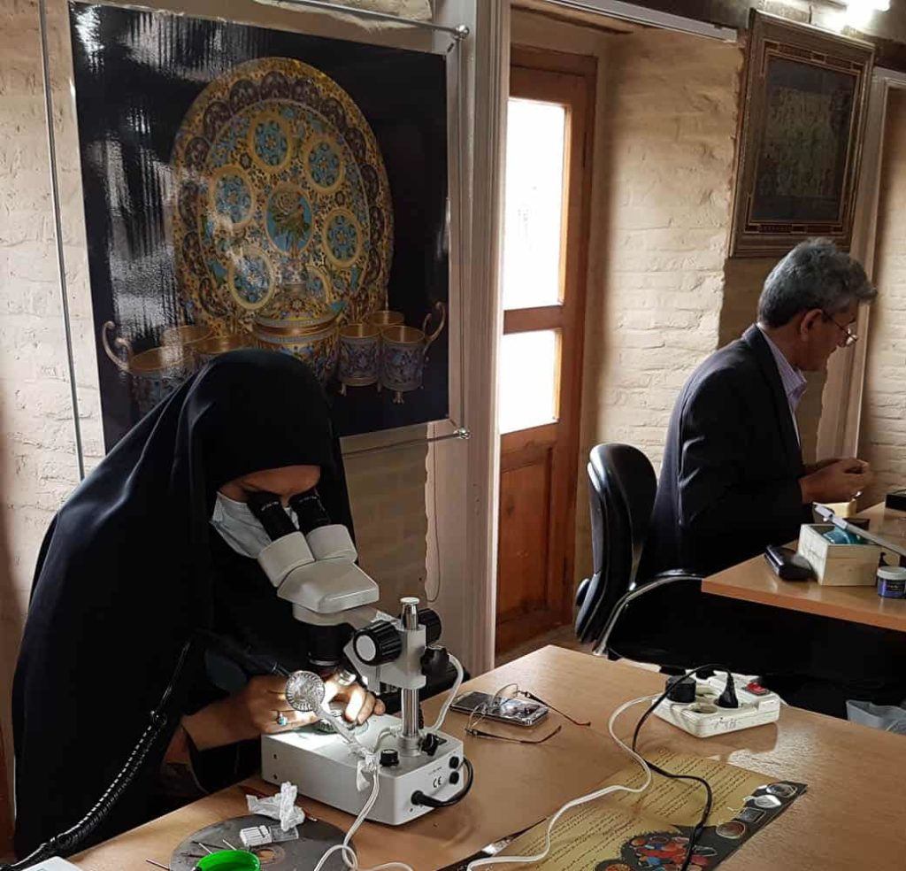 Microscopic analysis of turquoise in Mashhad.