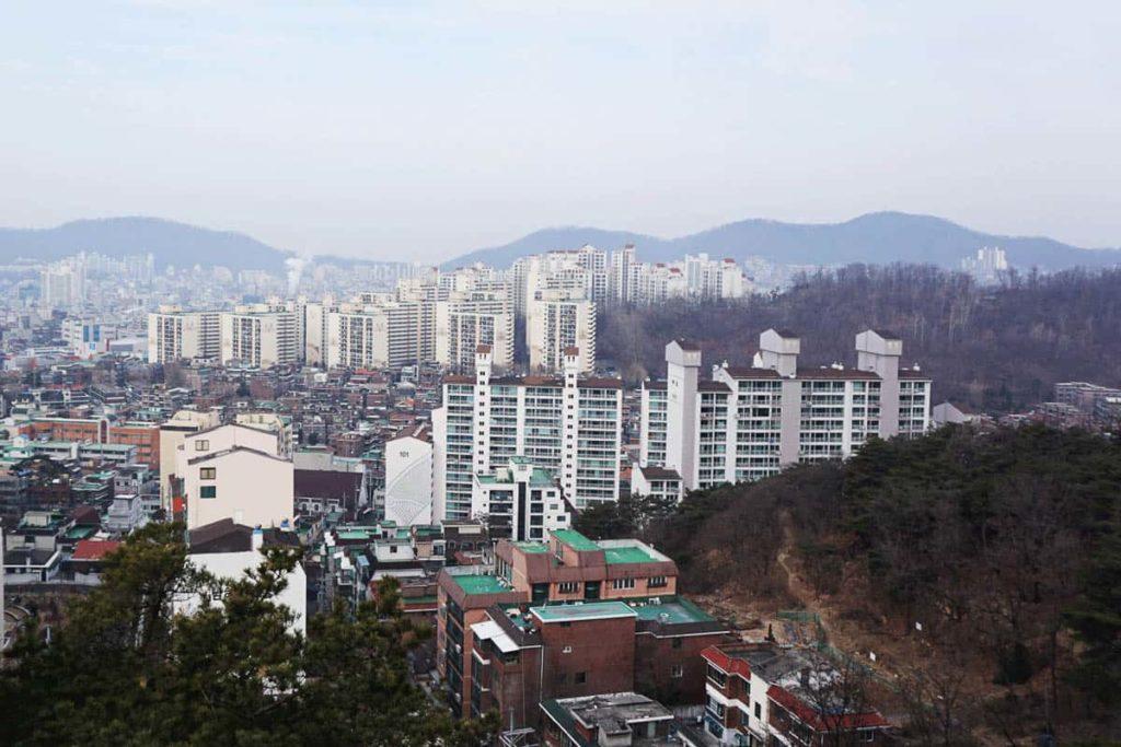 Seoul rooftops, photo: Laura Carthew