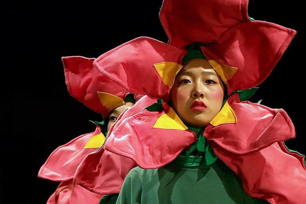 Laura Carthew, Immortal flower (무궁화) (video still detail), 2015.