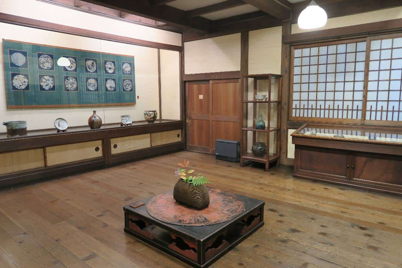 The Japan Folk Crafts Museum was established in 1936 by Soetsu Yanagi. Together with Kenjiro Kawai and Shoji Hamada, Yanagi coined the term 'Mingei' which translated to 'folk crafts' or 'common crafts'.