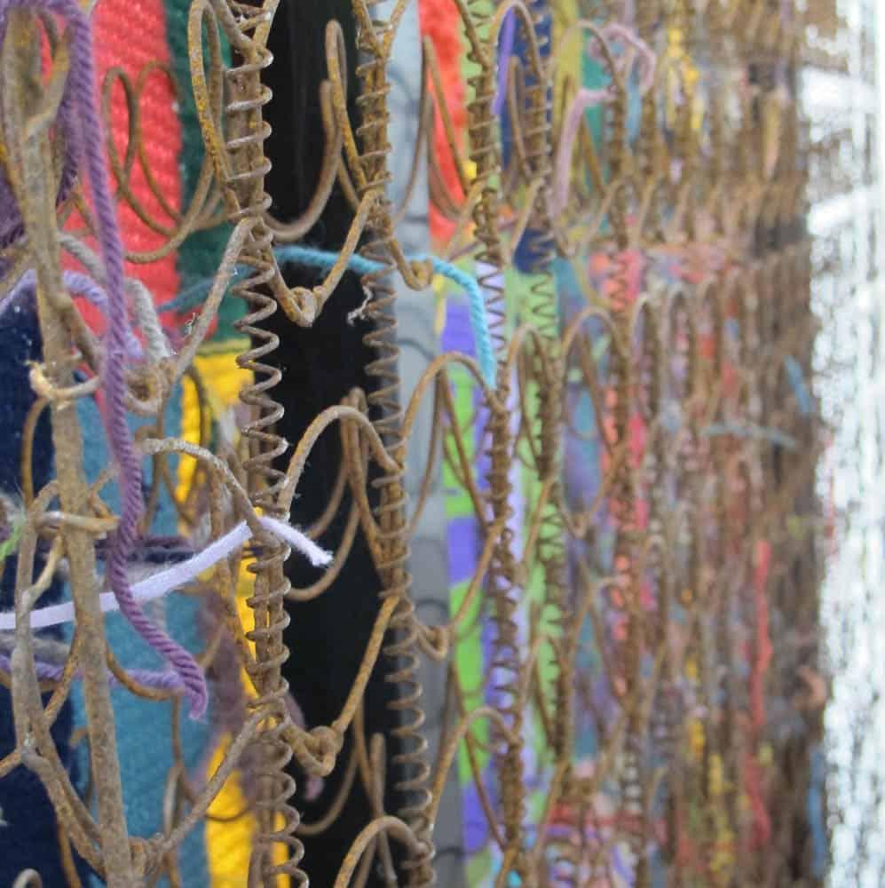 Ansie van der Walt, The Marriage Bed, 2015, wire yarn wood, 1.8mx2.0mx50cm, photo: Ansie van der Walt
