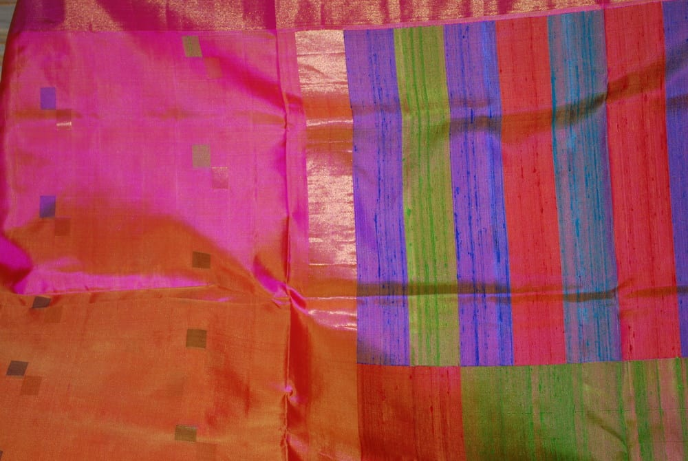Production of non-traditional geometric designs like multi-coloured rectangles in the Kanjivaram silk sari