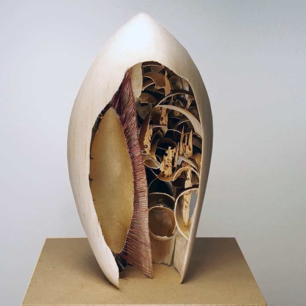 Andrea Mina, fourty, carved wood, butterfly wings, sea-urchin spine, pva glue, 29mm high, photo: Yolanda Mina