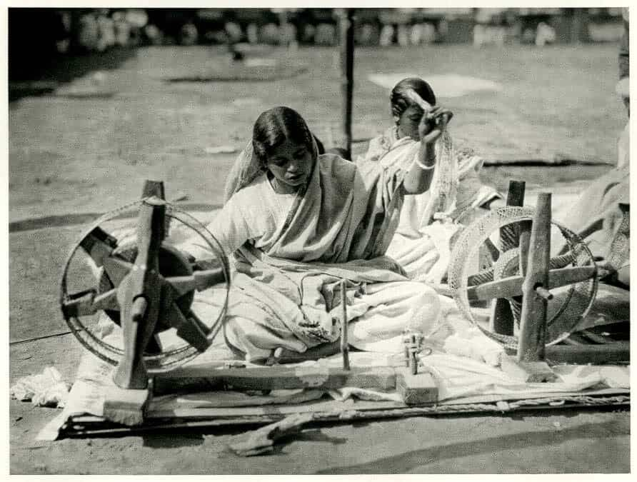 Bengali Woman at the Spinning Wheel - a photogravure by Martin Hurlimann
