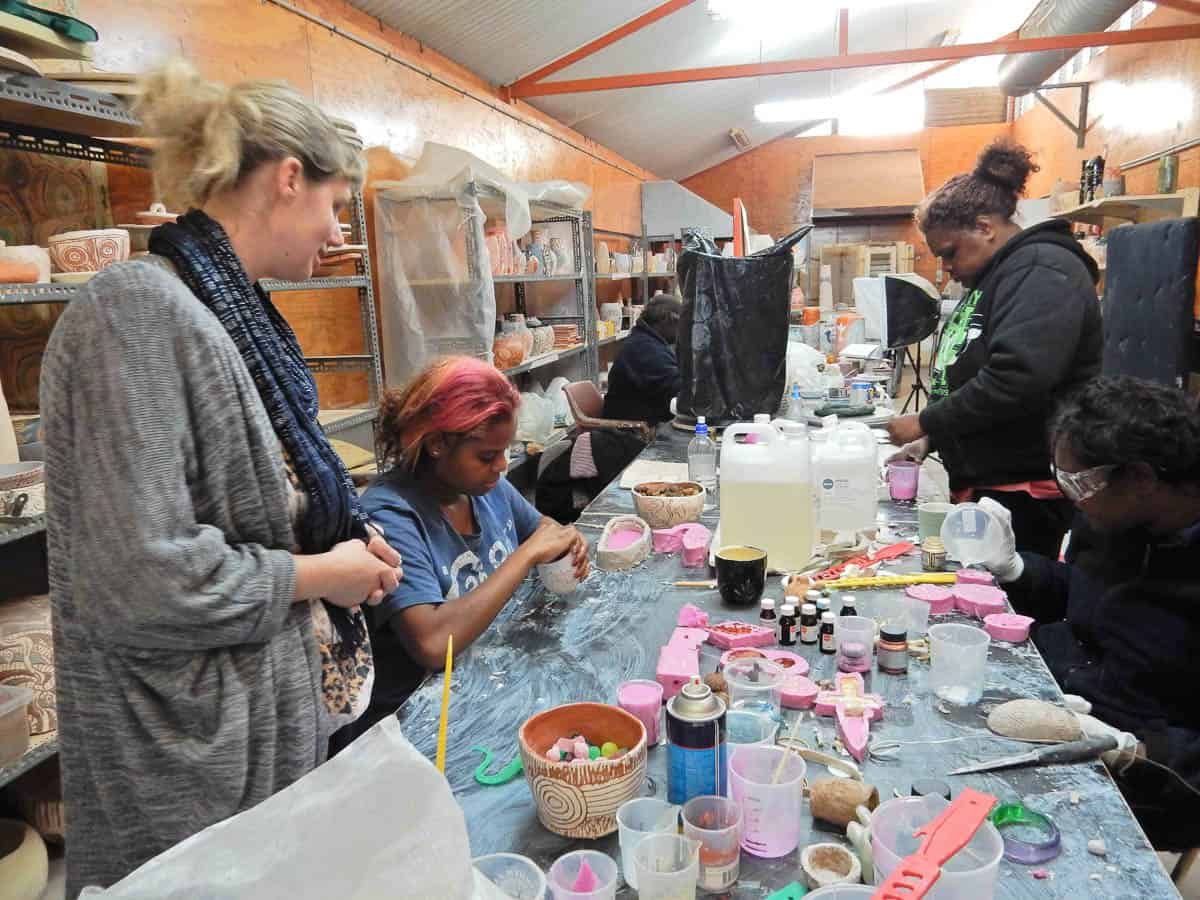 Resin workshop with Kate Rohde and Ernabella artists, 2014