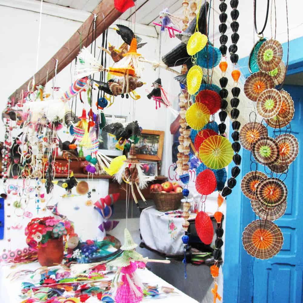 A shop in Rari selling crin craft.