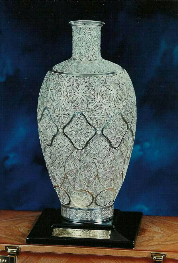 Khosrow Ashegi, filigree flower pot, 2002, silver, 51 x 26cm