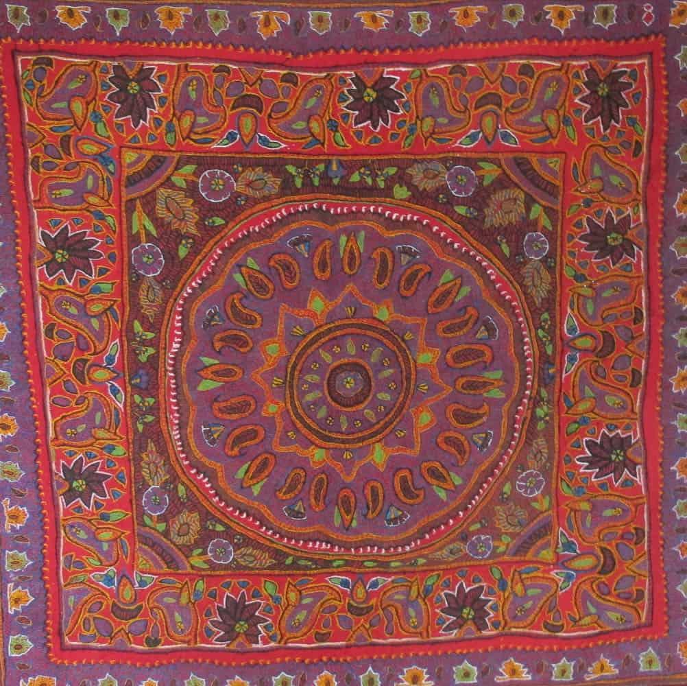 Akhtar Ismailzadeh, shawl