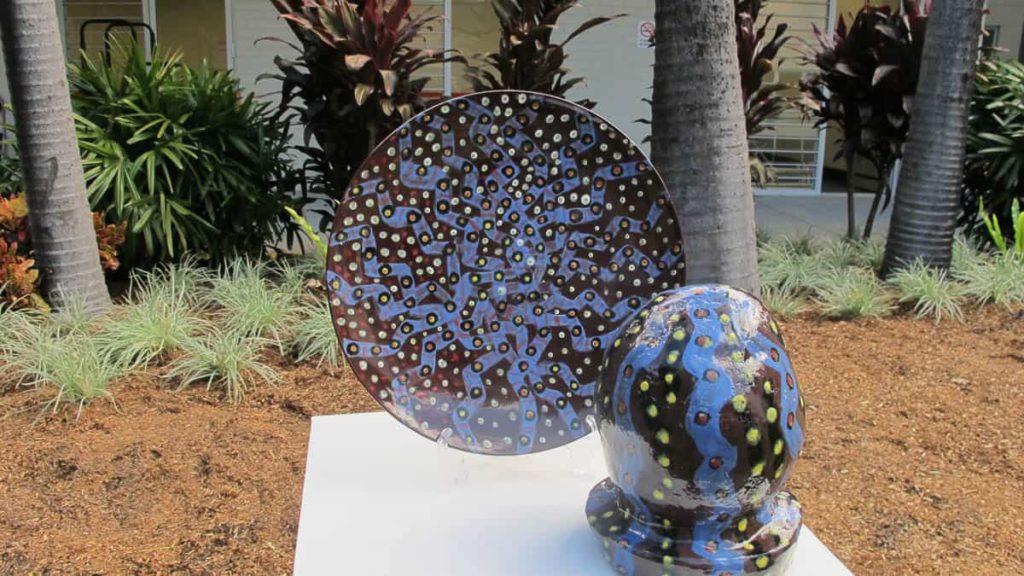 Vicki Markna, Platter and sculpture, 2016
