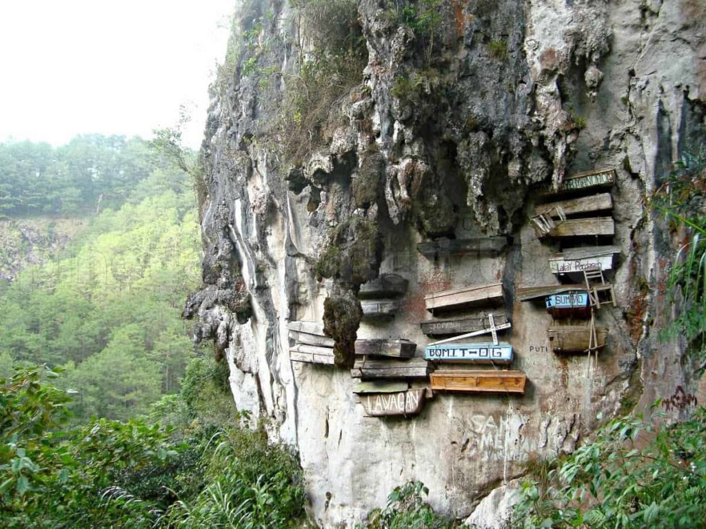 Sagada Philippines, hanging coffins
