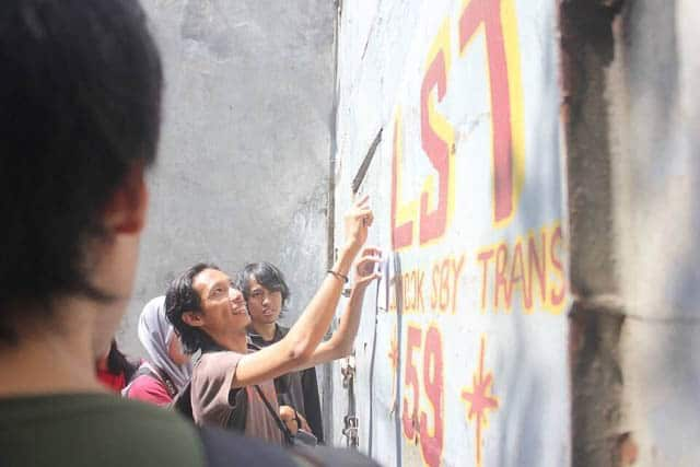 The first DIY Surabaya, a design walking tour exploring the typography of the old Chinatown in Surabaya.