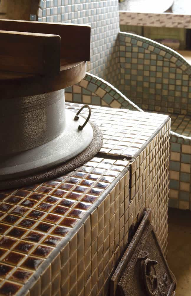 Tiled oven (collection of Mosaic Tile Museum)