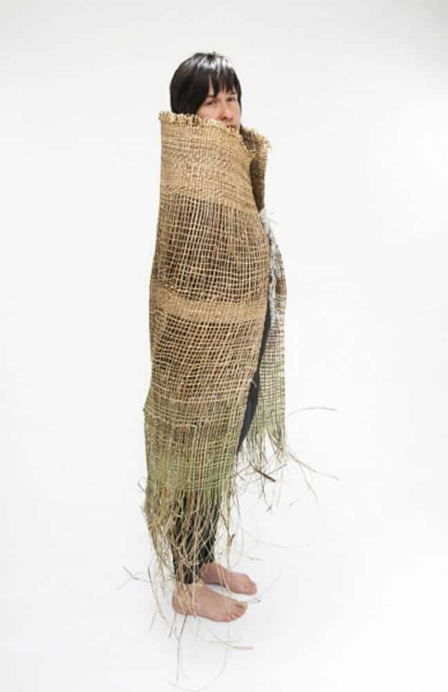 Adrienne Kneebone, Tails of Displace, 2013, flax