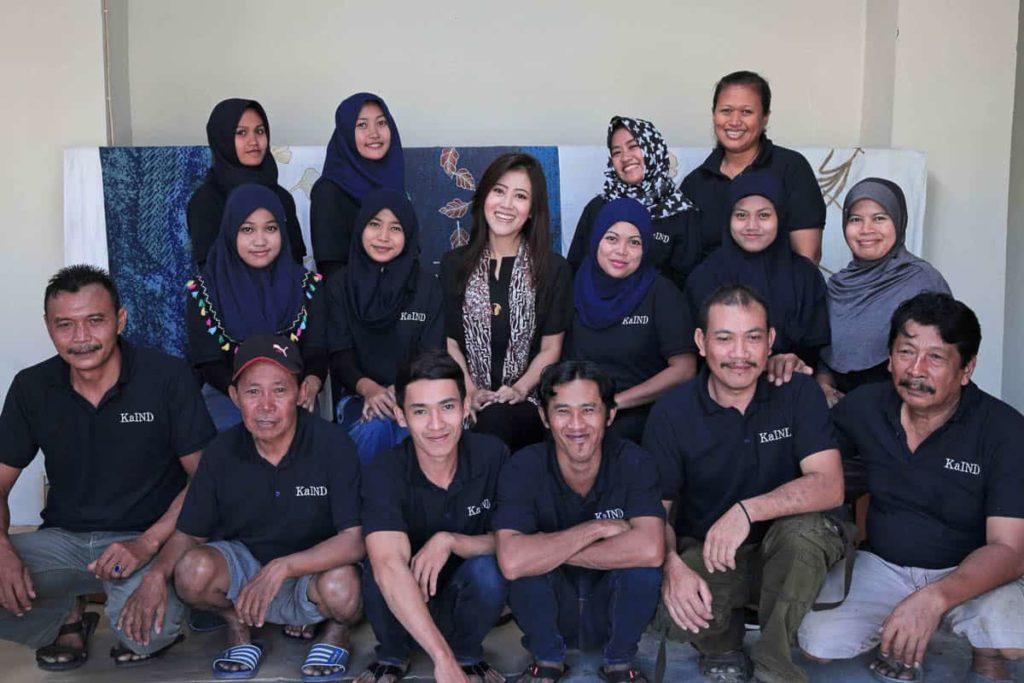 Melie Indarto with her team of Batik and Tenun Artisans