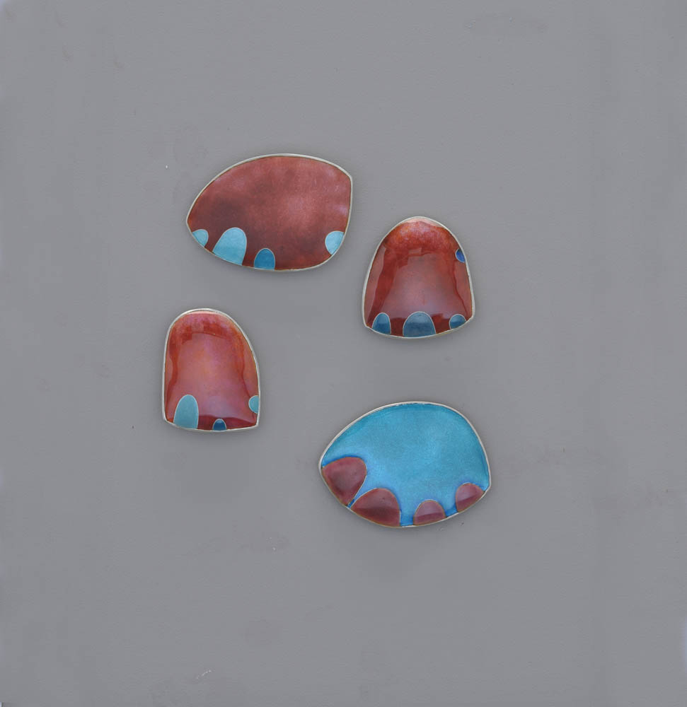 Helen  Aitken-Kuhnen  Angry  Sea  Anemone  brooches,  mori-age  enamel,  champlevé,  cloisonné,  925  silver.  35-38  x  45-  53  x  4  mm