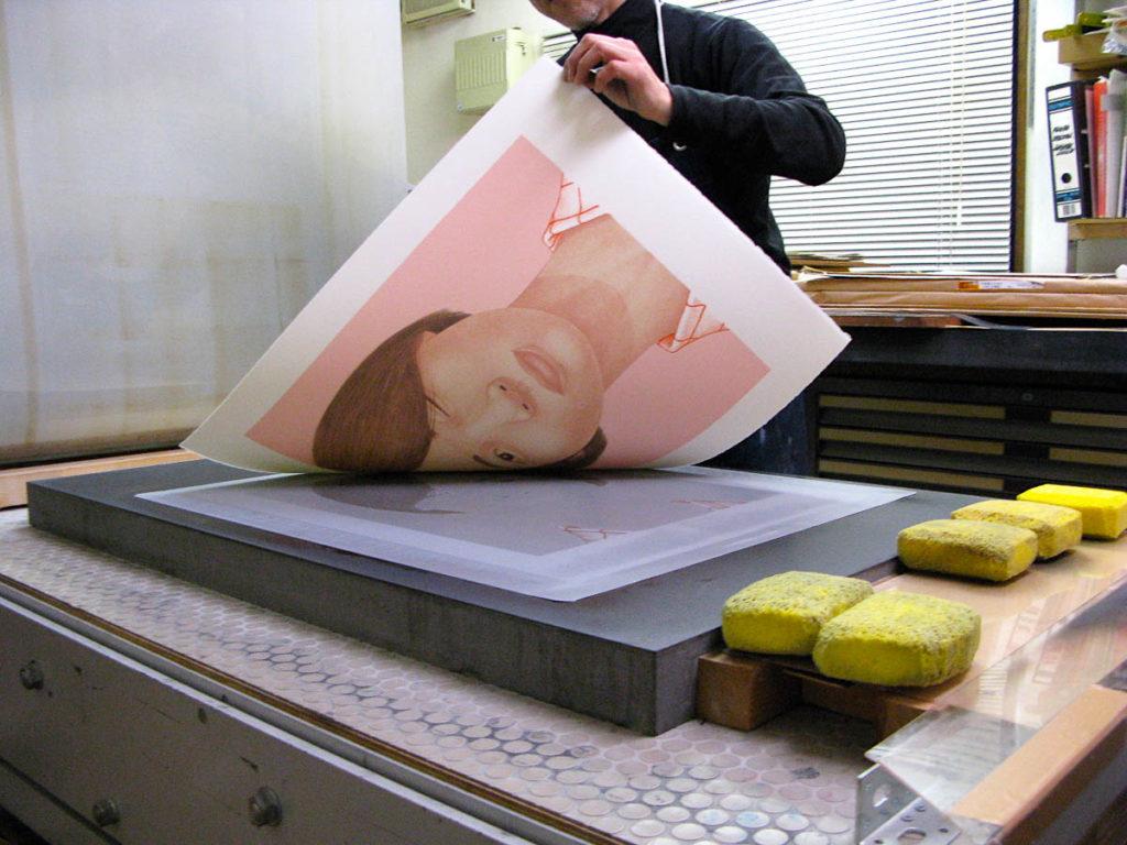 Satoru Itazu printing Portrait – One Eye (2008) by Takanobu Kobayashi at Itazu Litho-Grafik