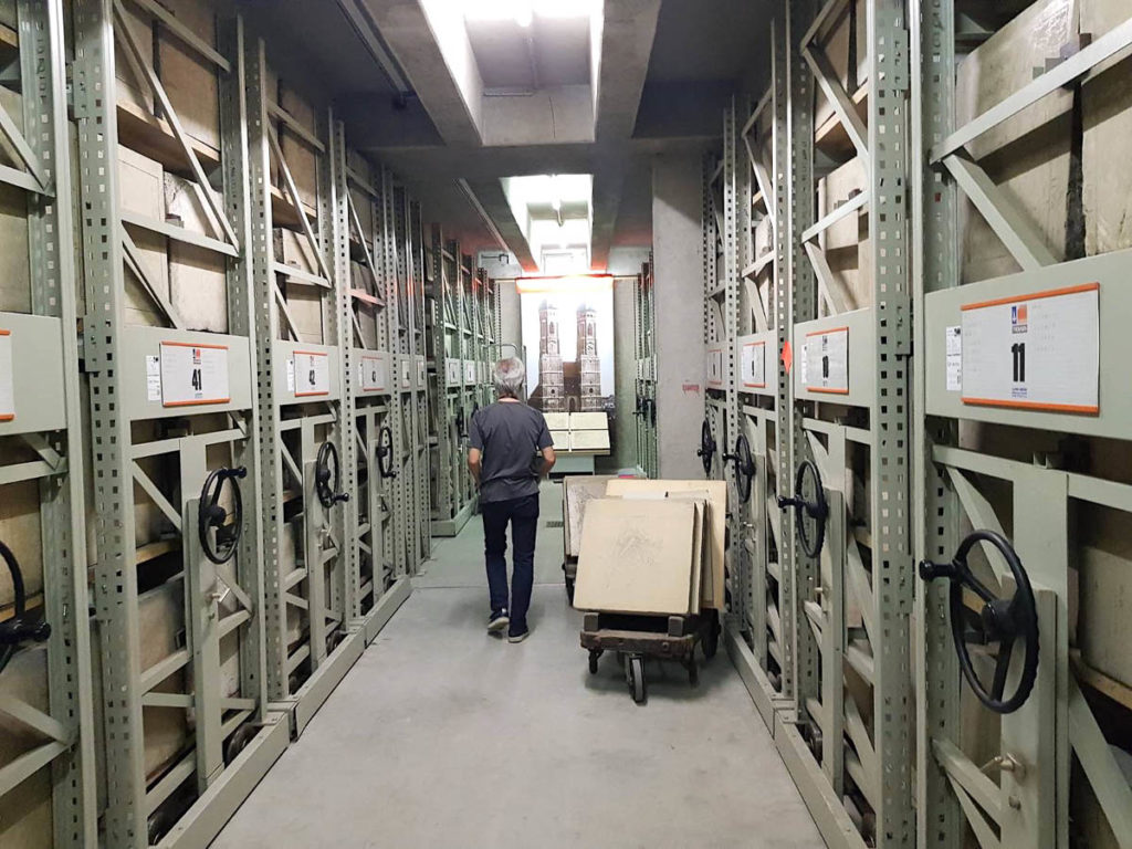 Satoru Itazu visiting the lithographic stone cellar of theState Office for Digitisation, Broadband & Surveying,Munich, 2018