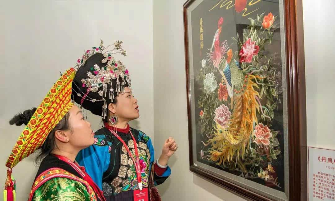 The Delight Of Embroidery Now 2018 Chaozhou International Embroidery Art Biennale Garland Magazine Garland Magazine