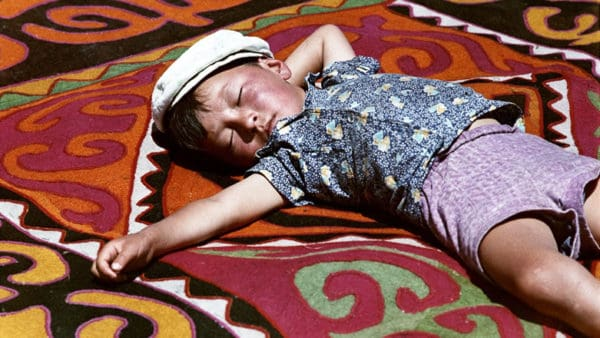 Shyrdak: A sunny day in Kyrgyzstan Dinara Chochunbaeva takes us to Kyrgyzstan on a sunny spring afternoon when the shyrdak felt rugs are on display.