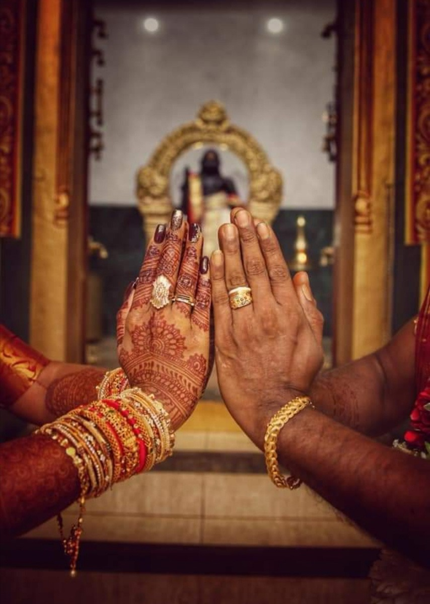 With The Blessing Of Gods And Families A Mauritian Tamil Wedding Garland Magazine